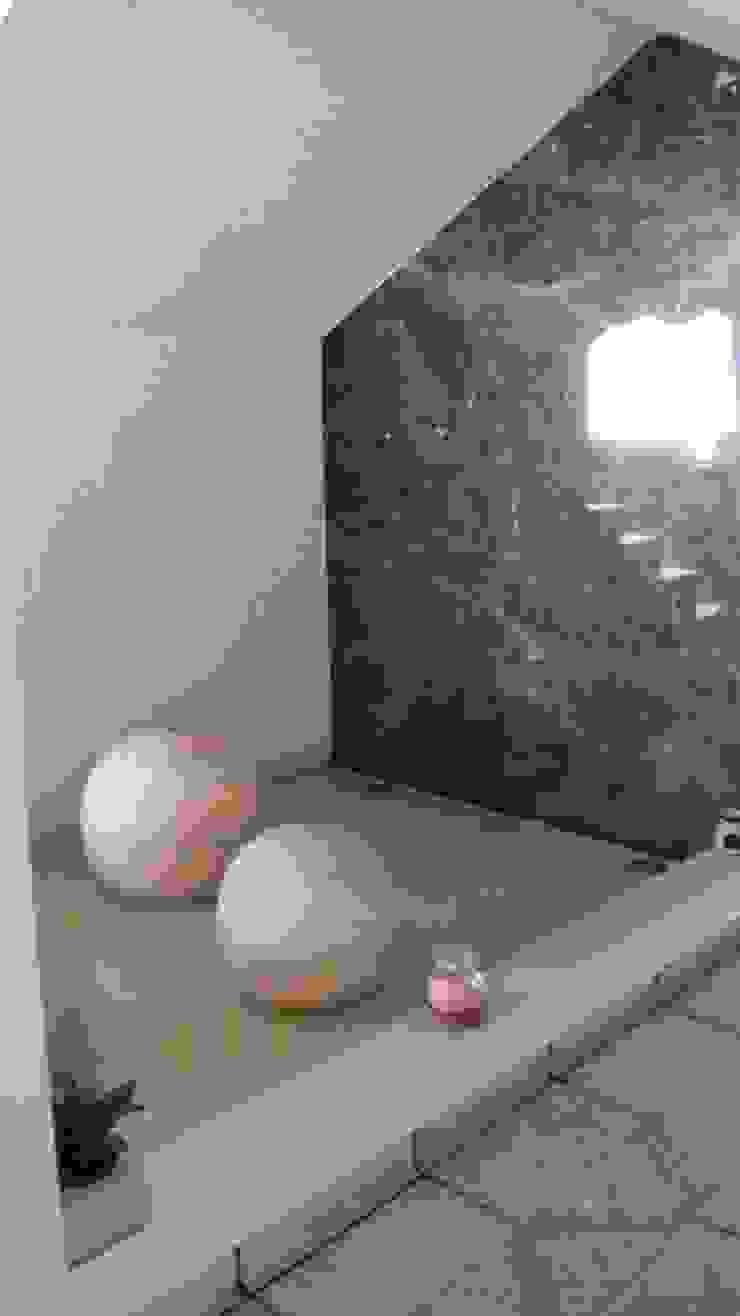 Diseno de Interiores Pasillos, vestíbulos y escaleras modernos de D.I. Liliana López Zanatta Moderno