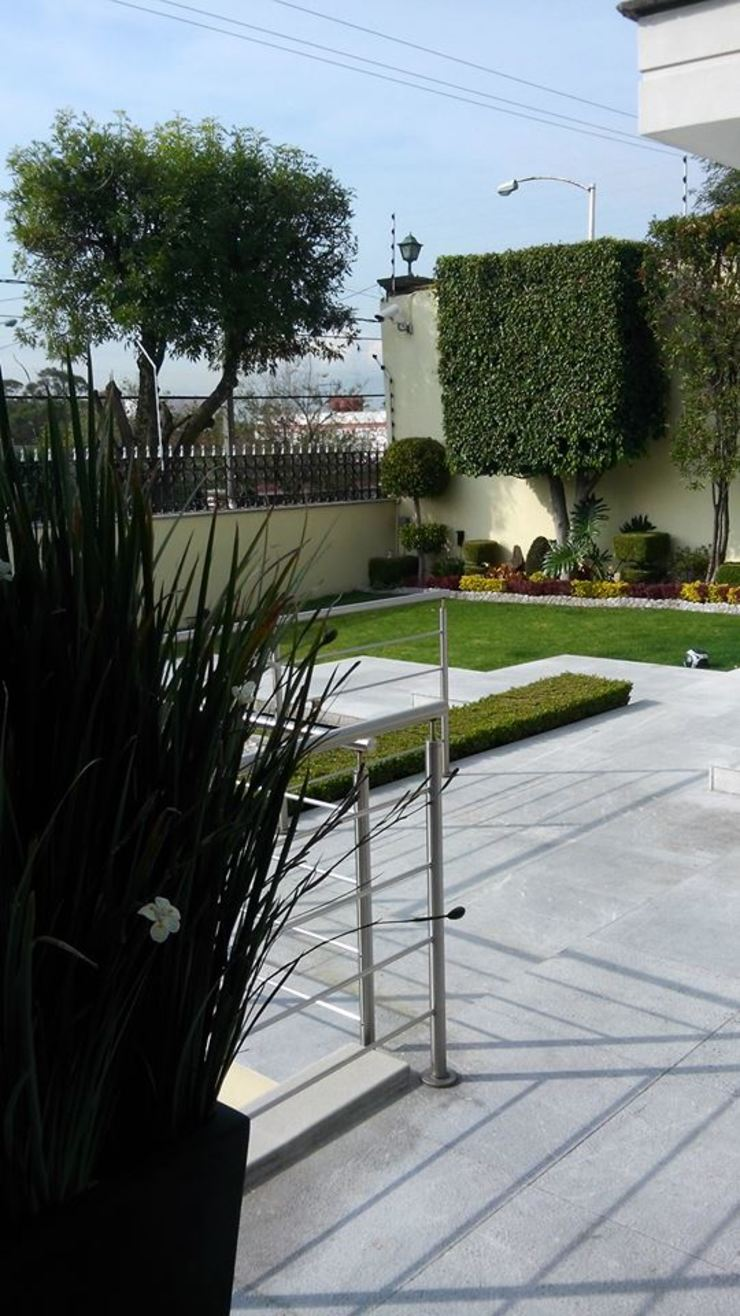 Diseno de Interiores Jardines modernos de D.I. Liliana López Zanatta Moderno
