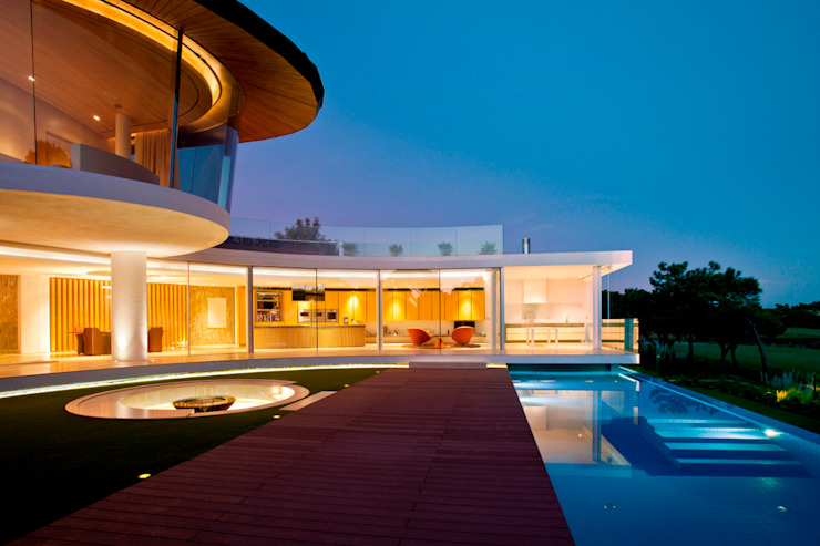 PRIVATE RESIDENCE - QUINTA DO LAGO, ALGARVE - PORTUGAL:   por GlammFire,Moderno