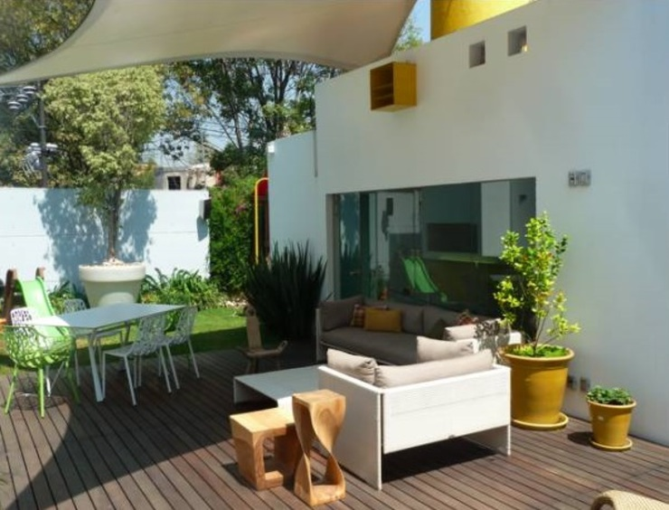 Modern style gardens by simbiosis ARQUITECTOS Modern
