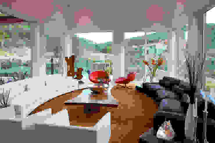 Modern living room by Adrián Martínez Arquitectos Modern