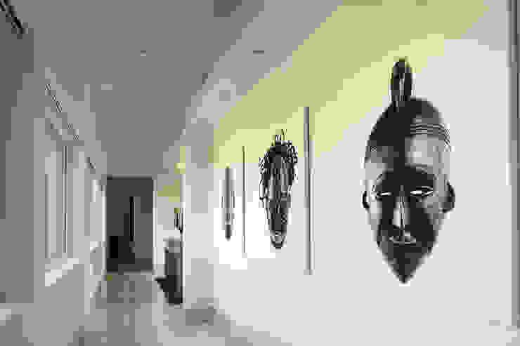 Koridor & Tangga Modern Oleh Adrián Martínez Arquitectos Modern