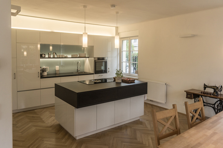 Kitchen by Arch. DI Peter Polding ZT
