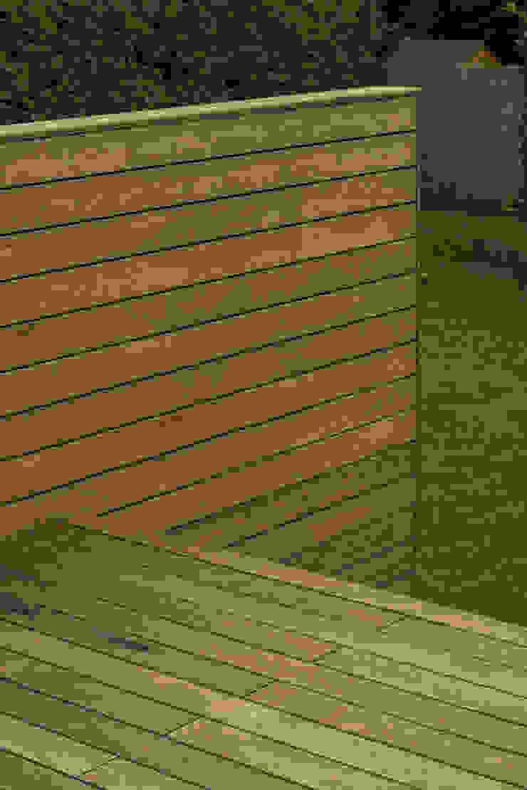 Terrasse Klassischer Balkon, Veranda & Terrasse von Arch. DI Peter Polding ZT Klassisch Holz Holznachbildung