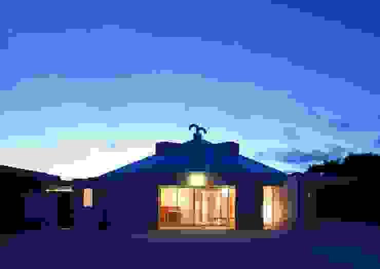 Maisons originales par 株式会社エン工房 Éclectique Pierre