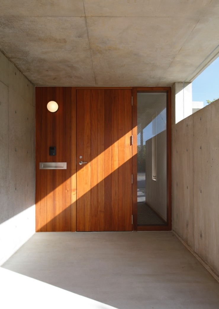 Eclectic style windows & doors by 株式会社エン工房 Eclectic Wood Wood effect