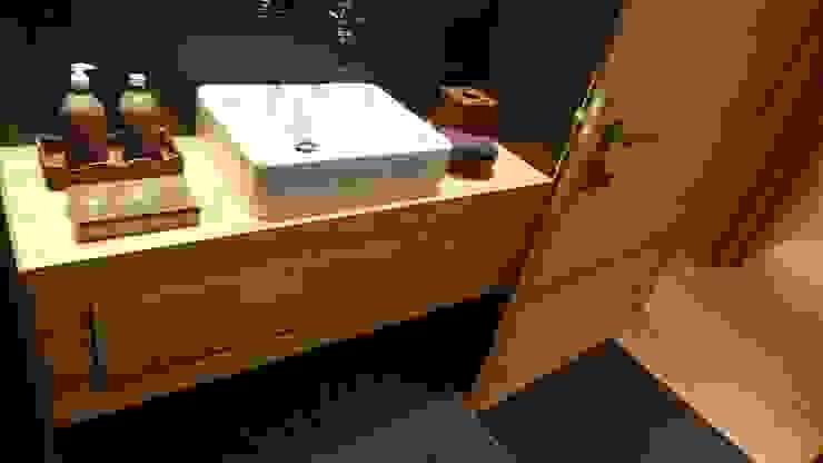 Rustieke badkamers van RH-Design Innenausbau, Möbel und Küchenbau Aarau Rustiek & Brocante Houtcomposiet Transparant