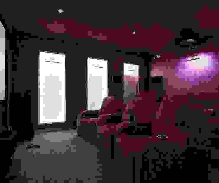 Коттедж Новая рига, 1000 кв.м Медиа комната в классическом стиле от ELLE DESIGN STUDIO Классический