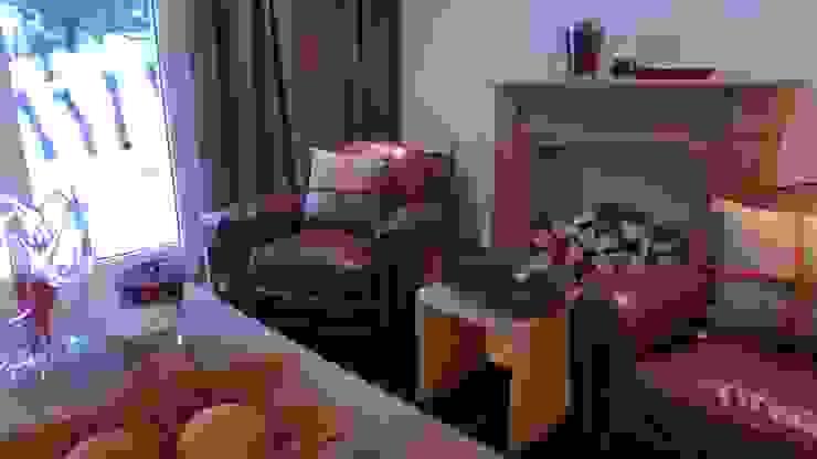 Ferienwohnung Celerina Rustikale Wohnzimmer von RH-Design Innenausbau, Möbel und Küchenbau Aarau Rustikal