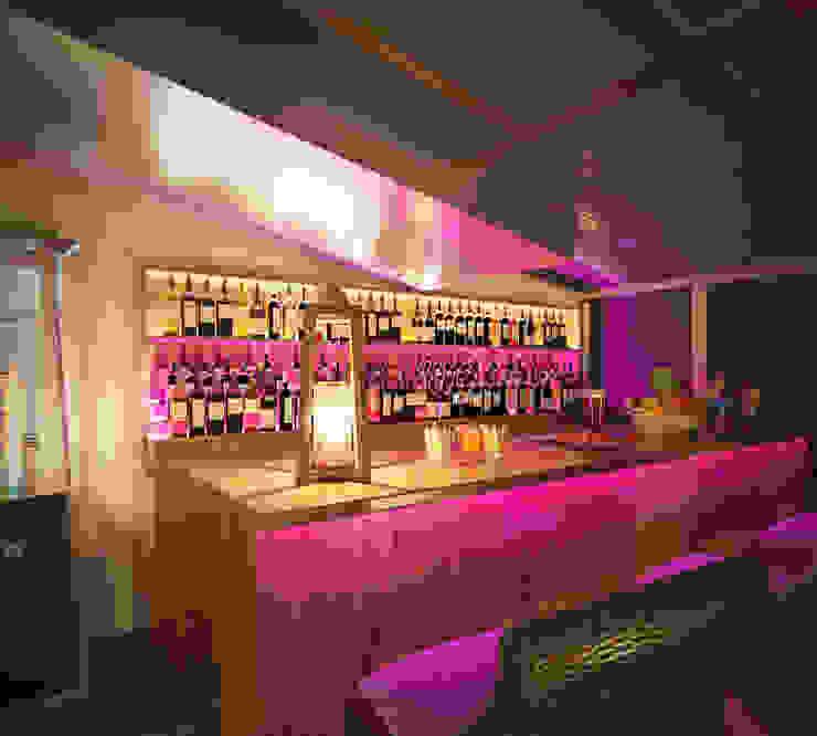 Проект переделки бывшего гольф клуба, Лондон Бары и клубы в стиле модерн от Катков Сергей Модерн