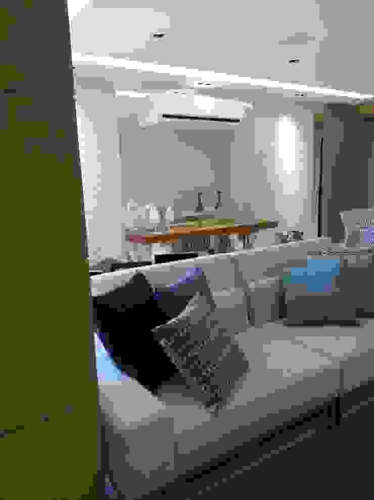Sala de estar. Salas de estar modernas por Lucio Nocito Arquitetura e Design de Interiores Moderno