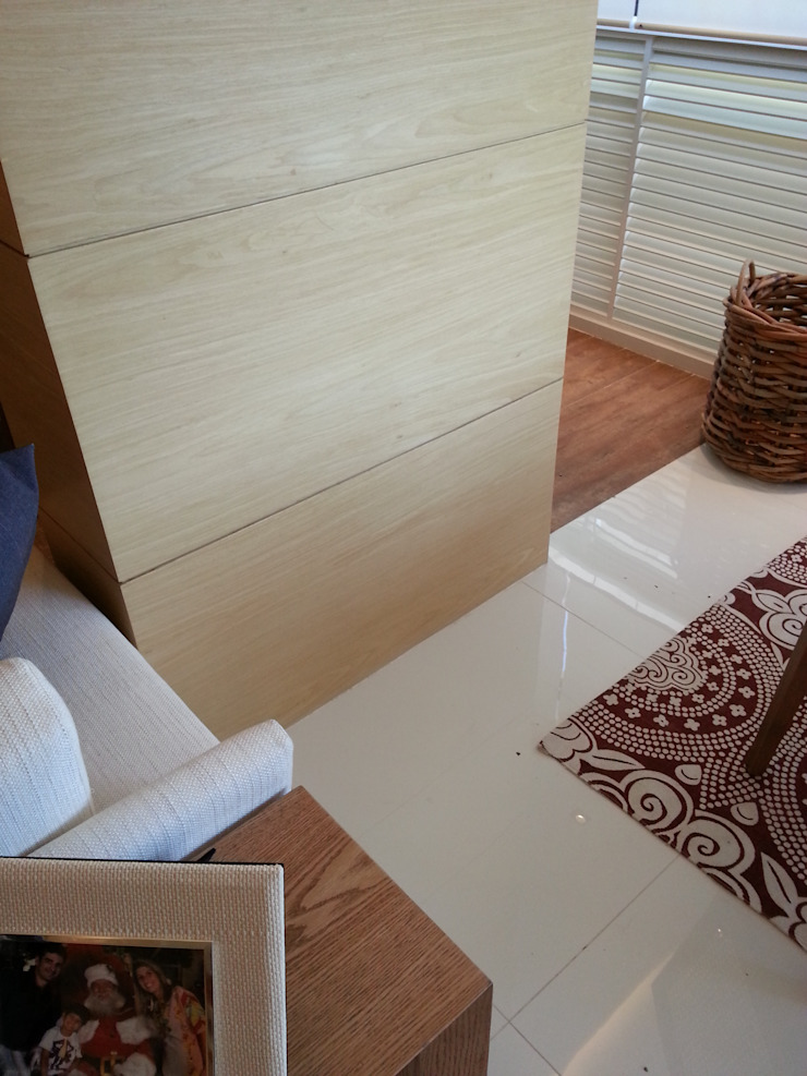 Revestimentos. Paredes e pisos modernos por Lucio Nocito Arquitetura e Design de Interiores Moderno
