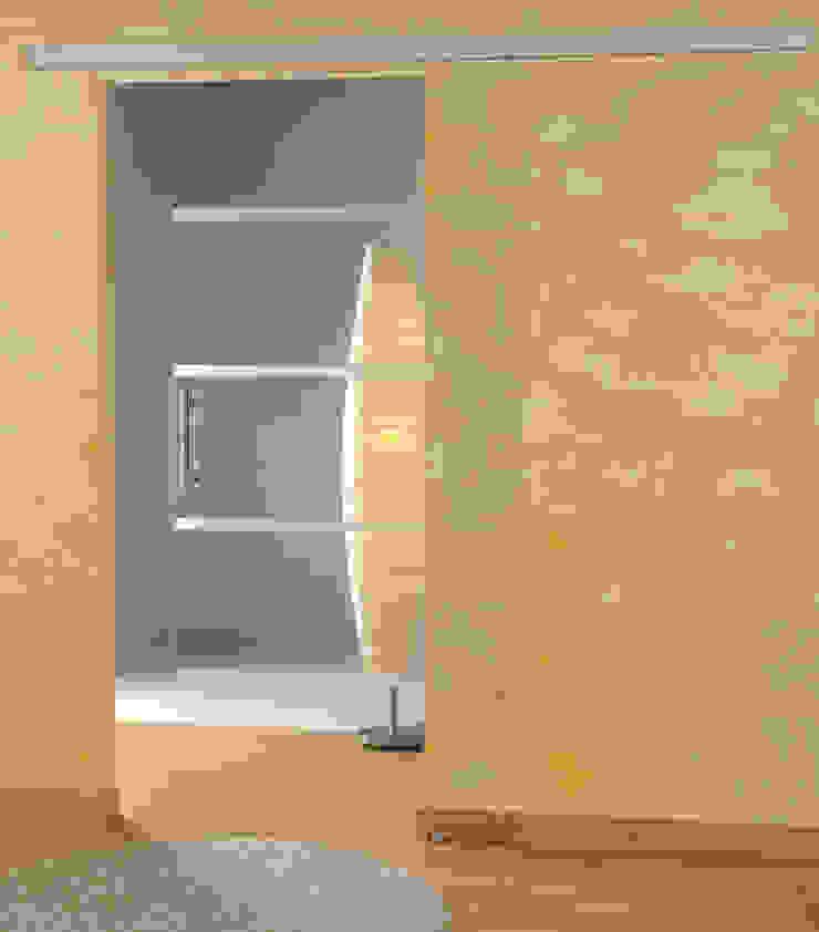 schoener-bauen24.de Livings modernos: Ideas, imágenes y decoración Vidrio
