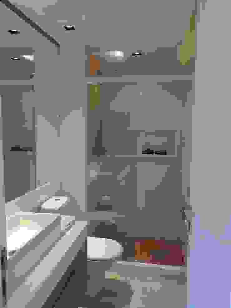 Detalhes novo banheiro. Banheiros modernos por Lucio Nocito Arquitetura e Design de Interiores Moderno