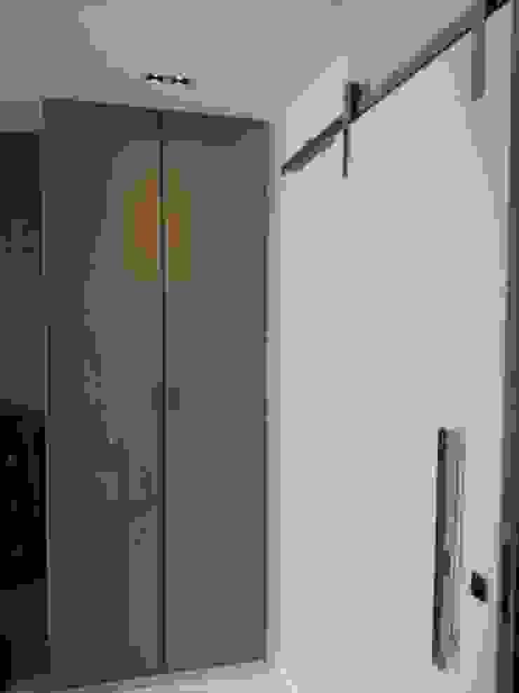 Detalhes quarto do casal. Quartos modernos por Lucio Nocito Arquitetura e Design de Interiores Moderno