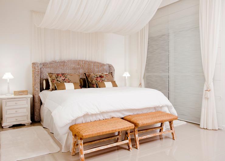 Suite do Casal: Quartos  por Karla Silva Designer de Interiores,Tropical