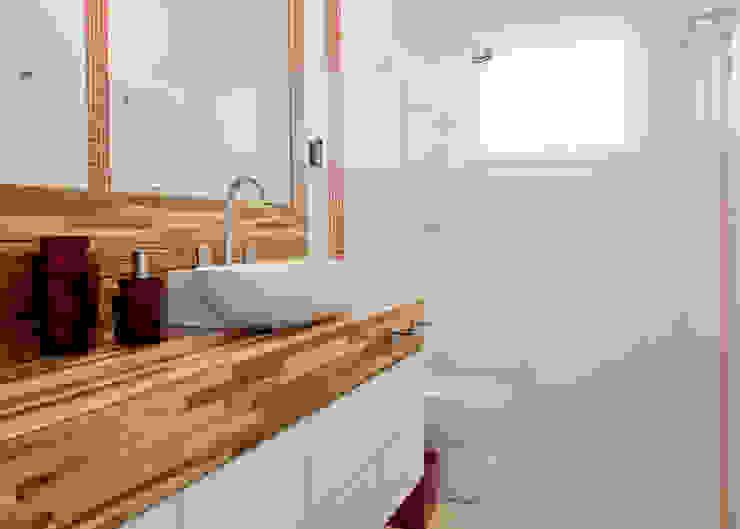 Banheiro do caçula Banheiros tropicais por Karla Silva Designer de Interiores Tropical
