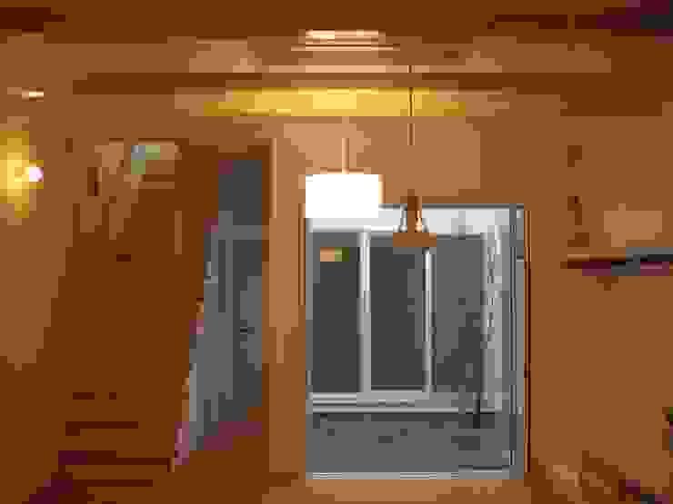 あお建築設計 现代客厅設計點子、靈感 & 圖片 竹 Wood effect