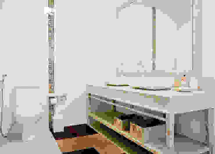 Banheiro da Suite Master Banheiros tropicais por Karla Silva Designer de Interiores Tropical
