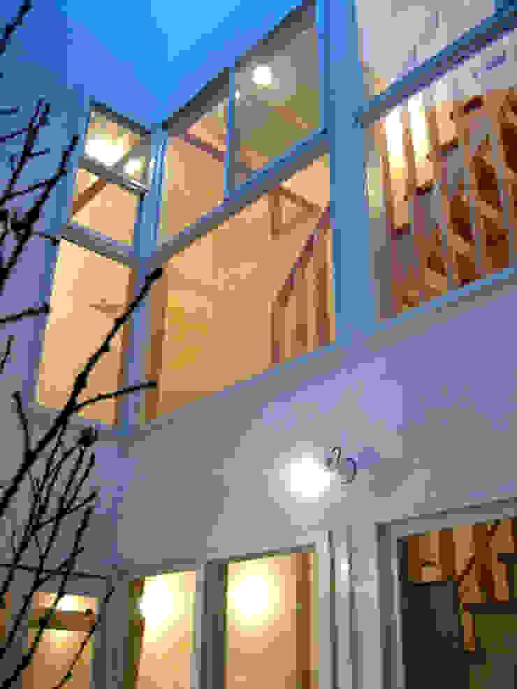 あお建築設計 現代房屋設計點子、靈感 & 圖片 White