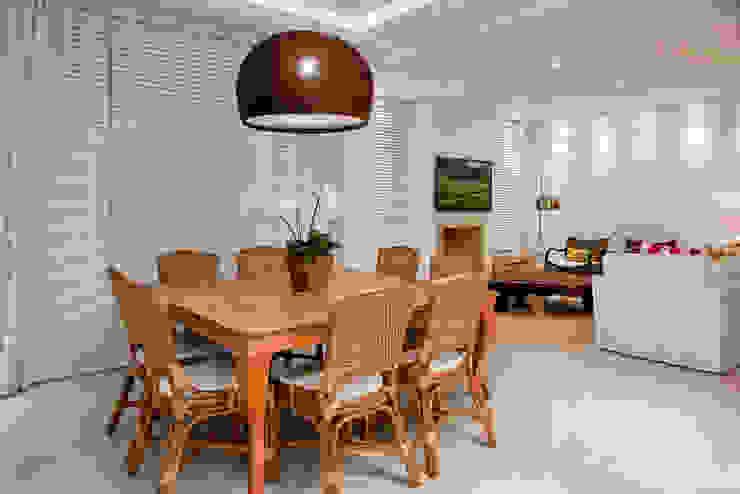 Luxo para Férias Salas de jantar tropicais por Karla Silva Designer de Interiores Tropical