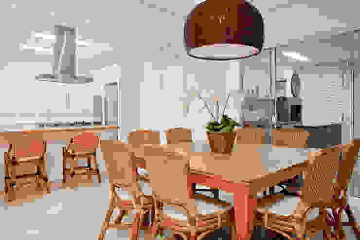 Karla Silva Designer de Interiores Tropical style dining room