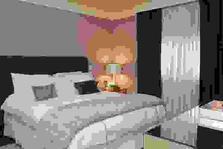 Phòng ngủ phong cách hiện đại bởi Fernanda Moreira - DESIGN DE INTERIORES Hiện đại Dệt may Amber/Gold