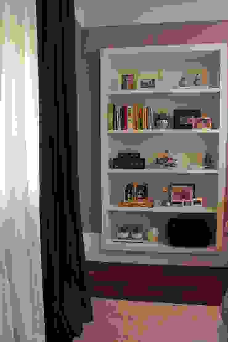 Moderne slaapkamers van Fernanda Moreira - DESIGN DE INTERIORES Modern
