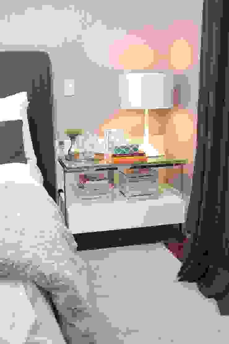 Phòng ngủ phong cách hiện đại bởi Fernanda Moreira - DESIGN DE INTERIORES Hiện đại Gỗ Wood effect