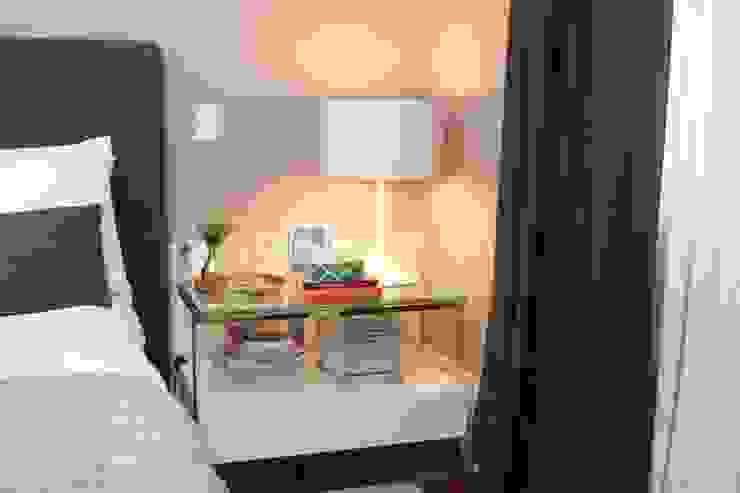 Phòng ngủ phong cách hiện đại bởi Fernanda Moreira - DESIGN DE INTERIORES Hiện đại