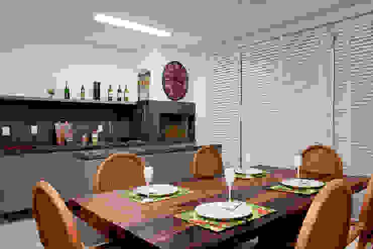 Espaço Gourmet Cozinhas tropicais por Karla Silva Designer de Interiores Tropical