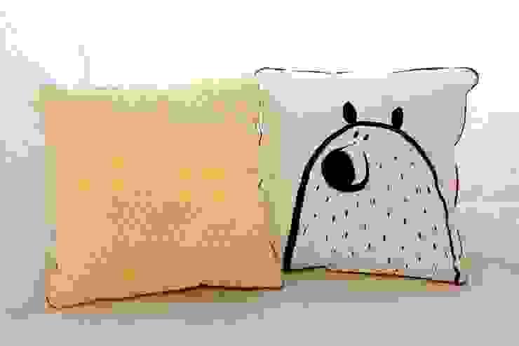 Coussin loup /ours jaune PIOLOU Chambre d'enfantsAccessoires & décorations Coton Jaune