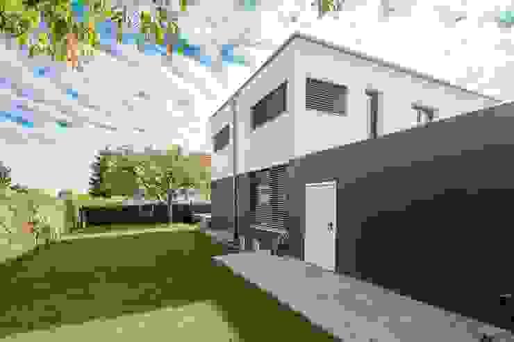Eigenheim in Lerchenfeld Herzog-Architektur Garten im Landhausstil
