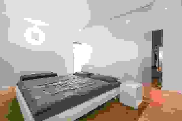 Eigenheim in Lerchenfeld Herzog-Architektur Moderne Schlafzimmer
