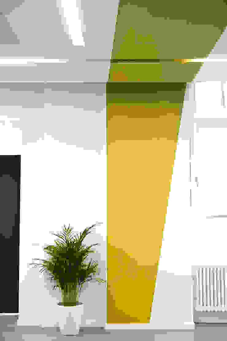 Sabine Oster Architektur & Innenarchitektur (Sabine Oster UG) Pasillos, vestíbulos y escaleras de estilo moderno