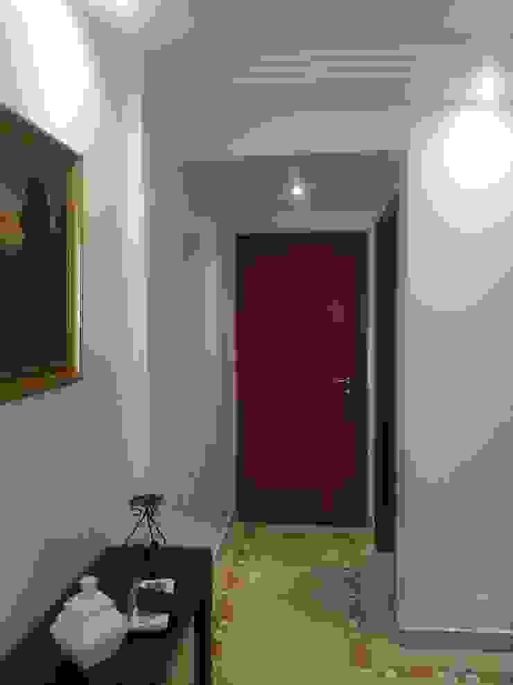 antes da reforma. Corredores, halls e escadas rústicos por Lucio Nocito Arquitetura e Design de Interiores Rústico