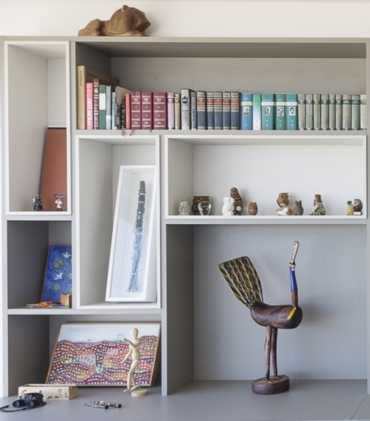 Residência T|R—VZ Arquitetas Lyssandro Silveira Modern media room Grey