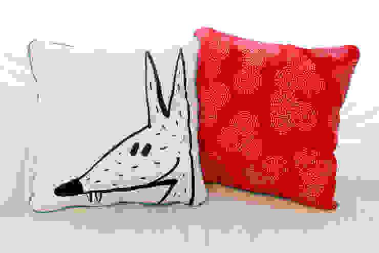 Coussin loup / ours rouge PIOLOU Chambre d'enfantsAccessoires & décorations Coton Rouge