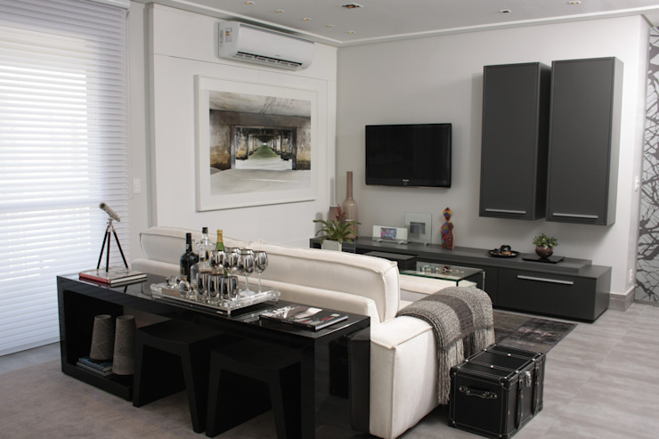 Fernanda Moreira - DESIGN DE INTERIORES Media room MDF Grey