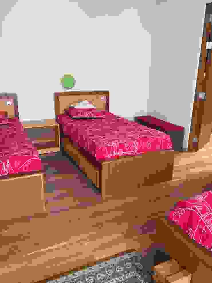 Camas en madera de nogal y encino Dormitorios infantiles clásicos de Teorema Arquitectura Clásico Madera Acabado en madera