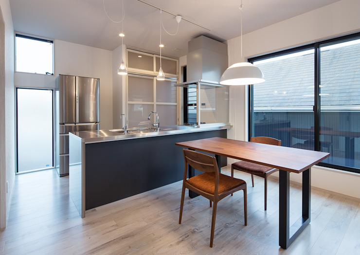 G邸 一級建築士事務所 馬場建築設計事務所 モダンな キッチン 紙 白色