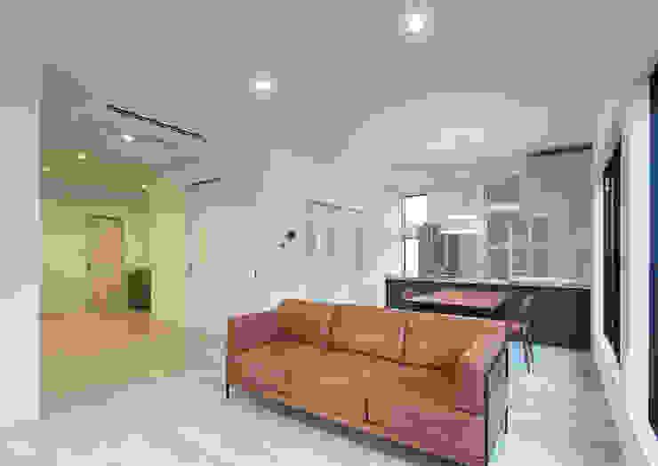 G邸 一級建築士事務所 馬場建築設計事務所 モダンデザインの リビング 紙 白色