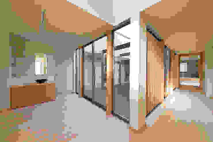 郊外の家 和風の 玄関&廊下&階段 の 有限会社 宮本建築アトリエ 和風