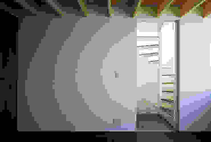 本町の家 モダンスタイルの寝室 の 桐山和広建築設計事務所 モダン