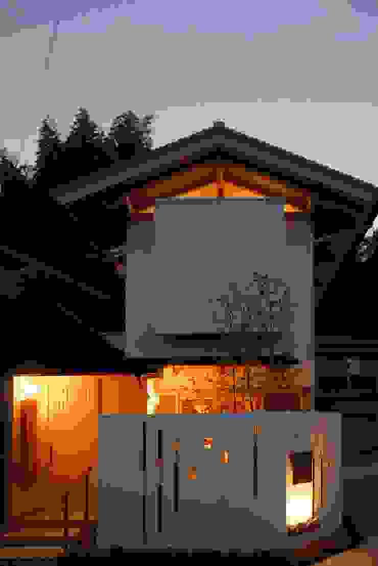 nightファサード モダンな 家 の アンドウ設計事務所 モダン 無垢材 多色