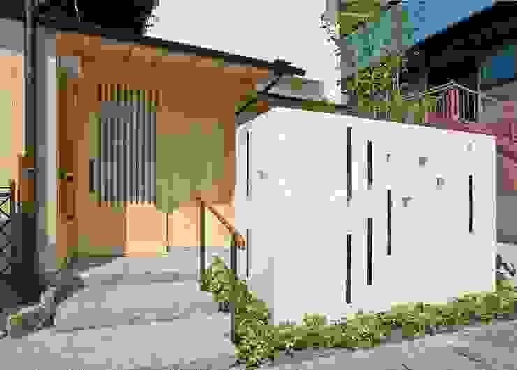 エントランス モダンスタイルの 温室 の アンドウ設計事務所 モダン 無垢材 多色