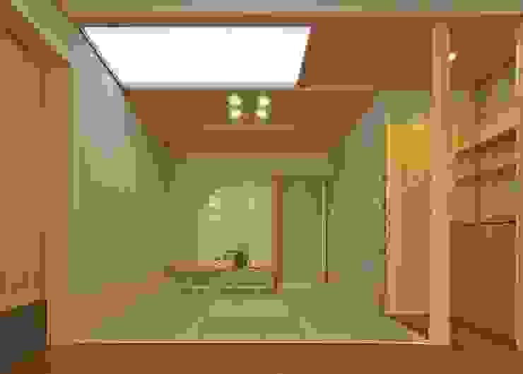 畳の間 モダンデザインの リビング の アンドウ設計事務所 モダン 無垢材 多色