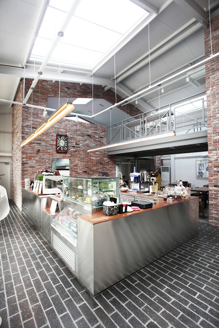 Openalley Coffee Roasting factory by AnLstudio 인더스트리얼