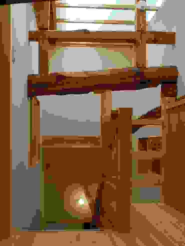 ロフトホール モダンスタイルの 玄関&廊下&階段 の アンドウ設計事務所 モダン