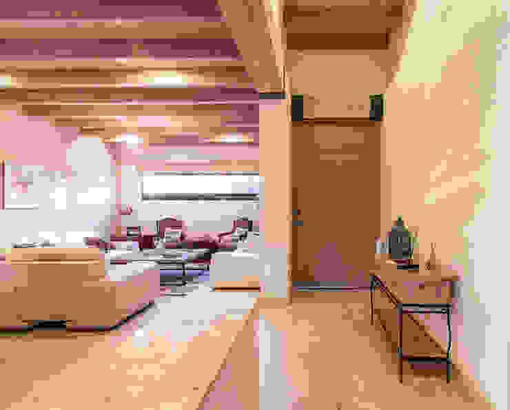 Modern living room by Loyola Arquitectos Modern